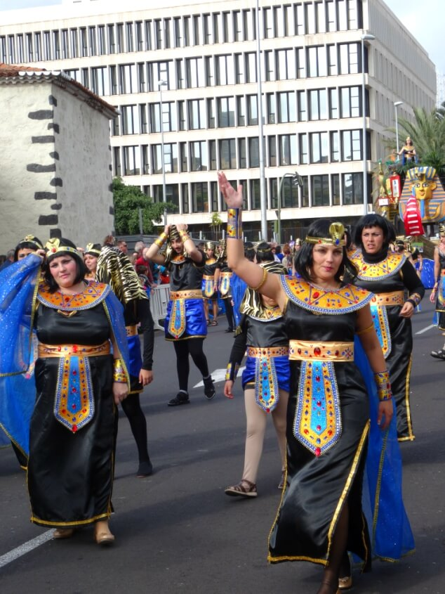 Women dressed in Egyptian outfits at the Santa Cruz carnival