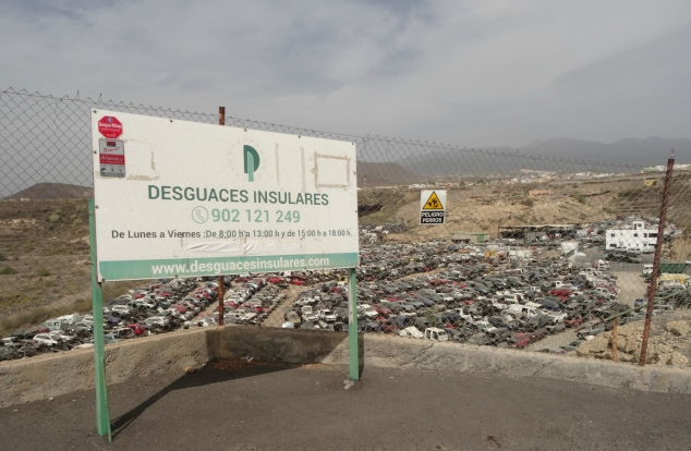 A sign for the Car Graveyard in Tenerife